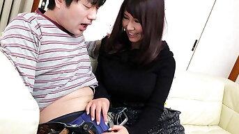 Japanese fuck doll Amiru Kinohara sucks dick, chuck-full