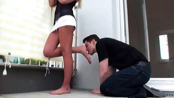Princess Paris use slaves to lick her shoes clean