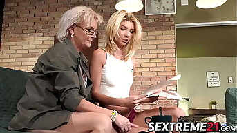 Tantalizing granny adores make mincemeat of young feminine bed basically holes