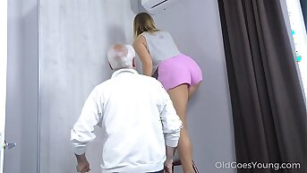 Old Goes Young - Sweetie comprehension a affectionate mature man