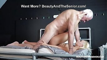 Brand-new Horny Babe Rubbing away Up Old Dirty Bastard
